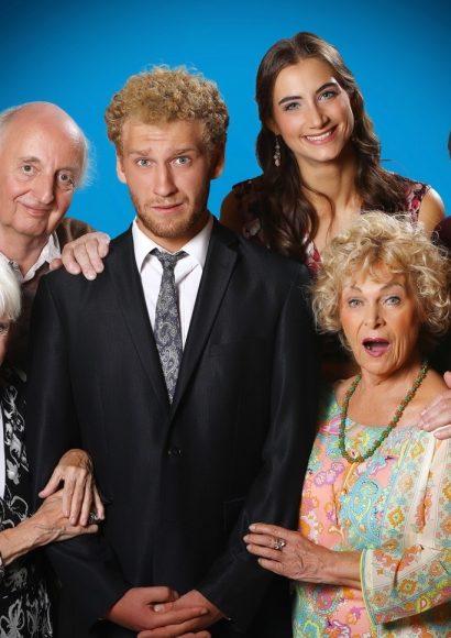 Premiere im Schlosspark Theater: Die Familie