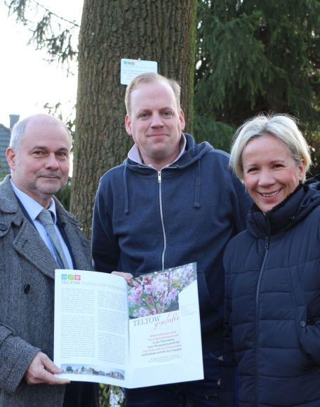 Baumpatenschaften in Teltow: Zwei Familien – fünf Bäume