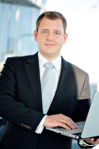 Nicht zuklappen: Fabian Mahr schult die Polizei in Computerkriminalität!