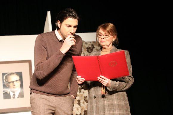 Die Schattenlichter spielten ihr 38. Stück in Zehlendorf: Barbara will rüber!