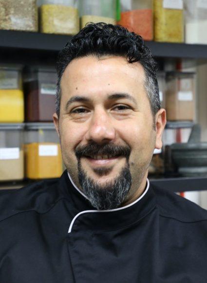 Büffet von Bab Kisan: Elyas Hannoun bietet die feine Küche aus Damaskus!