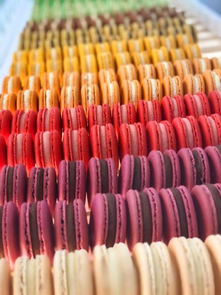 Edle Macarons: Die LOTI PANTÓN Weihnachtskollektion steht vor der Tür!