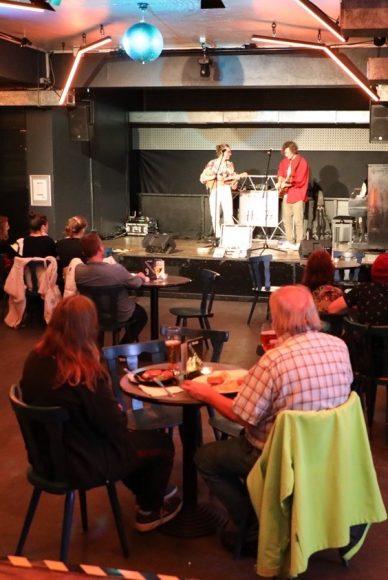 Klubhaus 14 in Schlachtensee: Chillen im Club, Live- & DJ-Musik,  leckeres Essen!