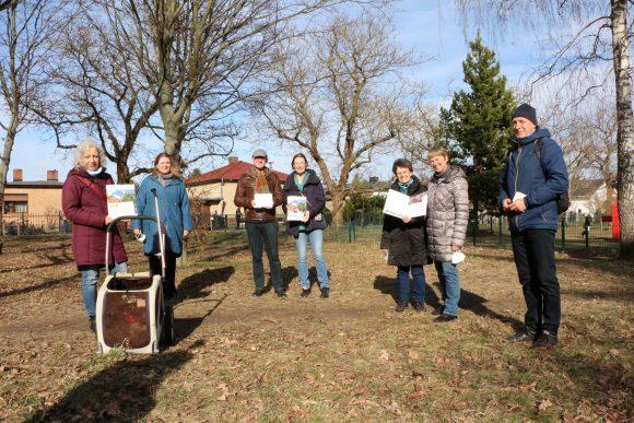 Baumpatenschaften in Teltow: Vier Familien – sechs Bäume