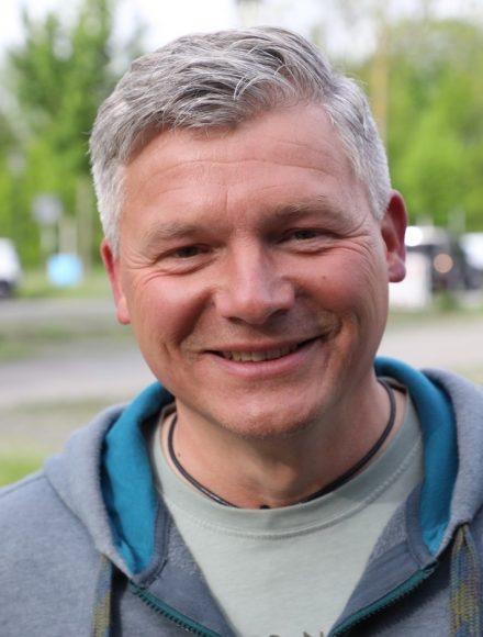 Andreas Winkelmann lud zur Lesung in Teltow – vor 75 Autos!