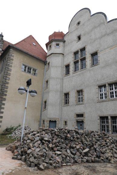 """25 Jahre """"Mörderische Schwestern"""": Autorinnen lesen im Knast!"""